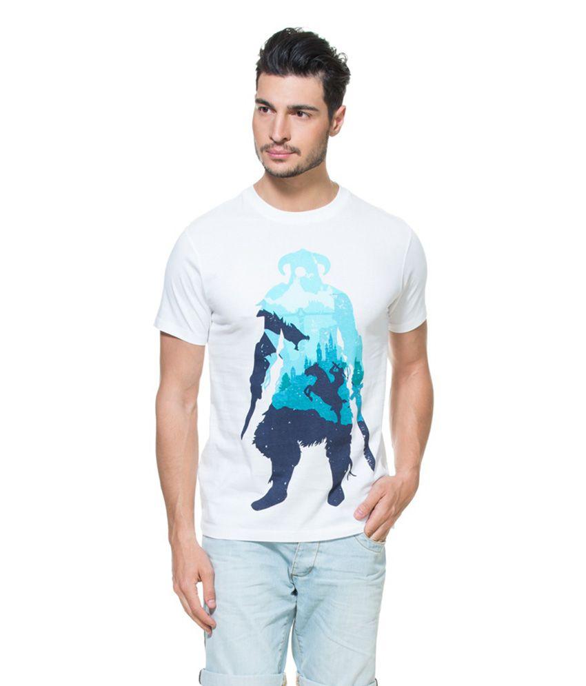 Zovi Skyrim White Graphic T-Shirt