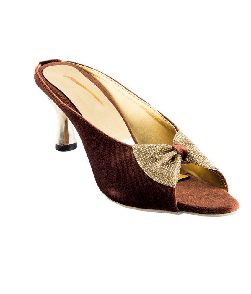 Womens Club Brown Medium Heel Open Toe Velvet Ethnic Sandals