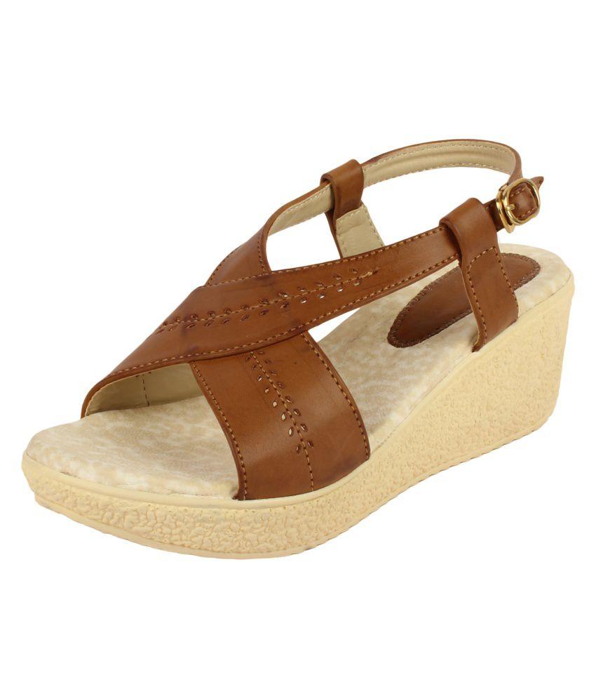 Niremo Beige Faux Leather Medium Heel Wedges