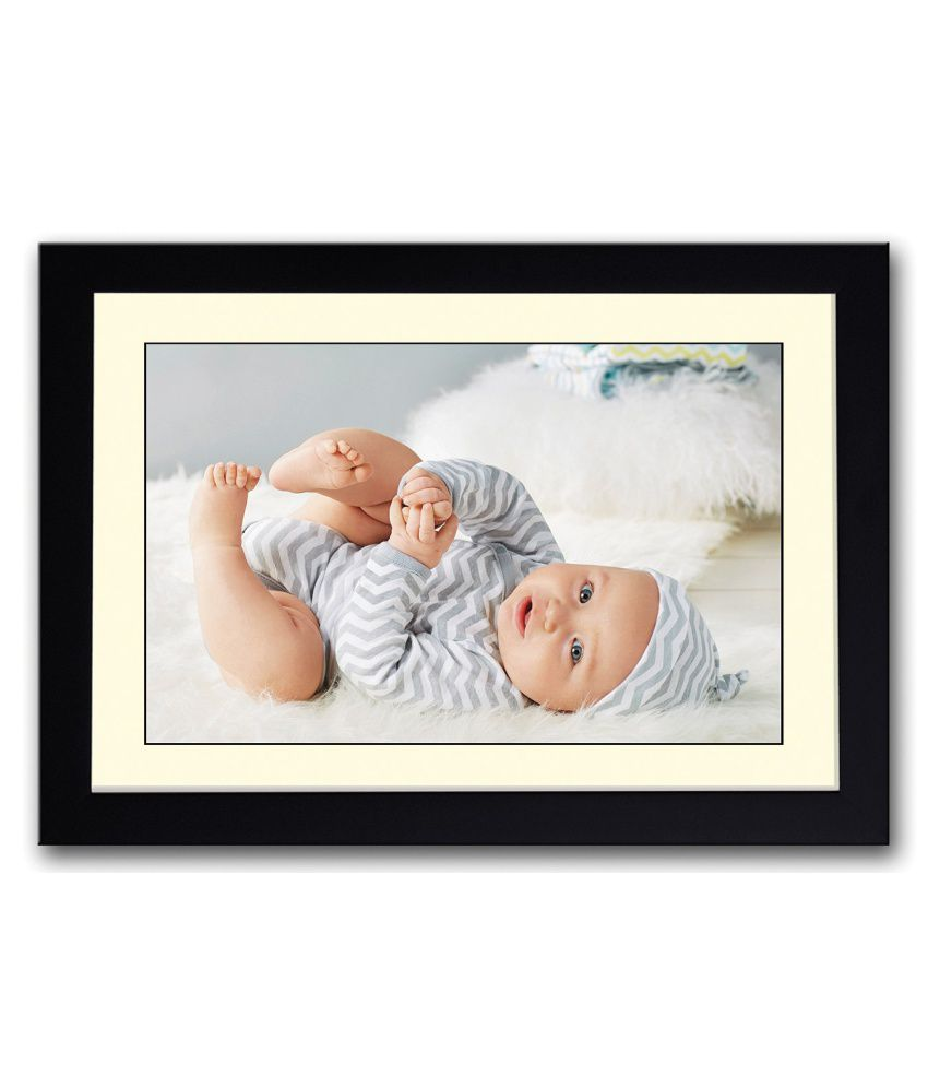 Artifa Matte Baby Playing Painting With Wood Frame
