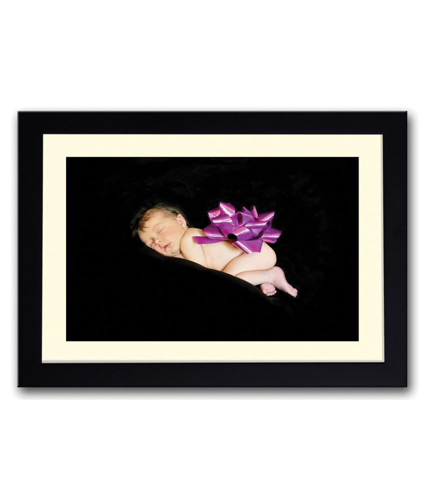 Artifa Matte Baby Present Painting With Wood Frame