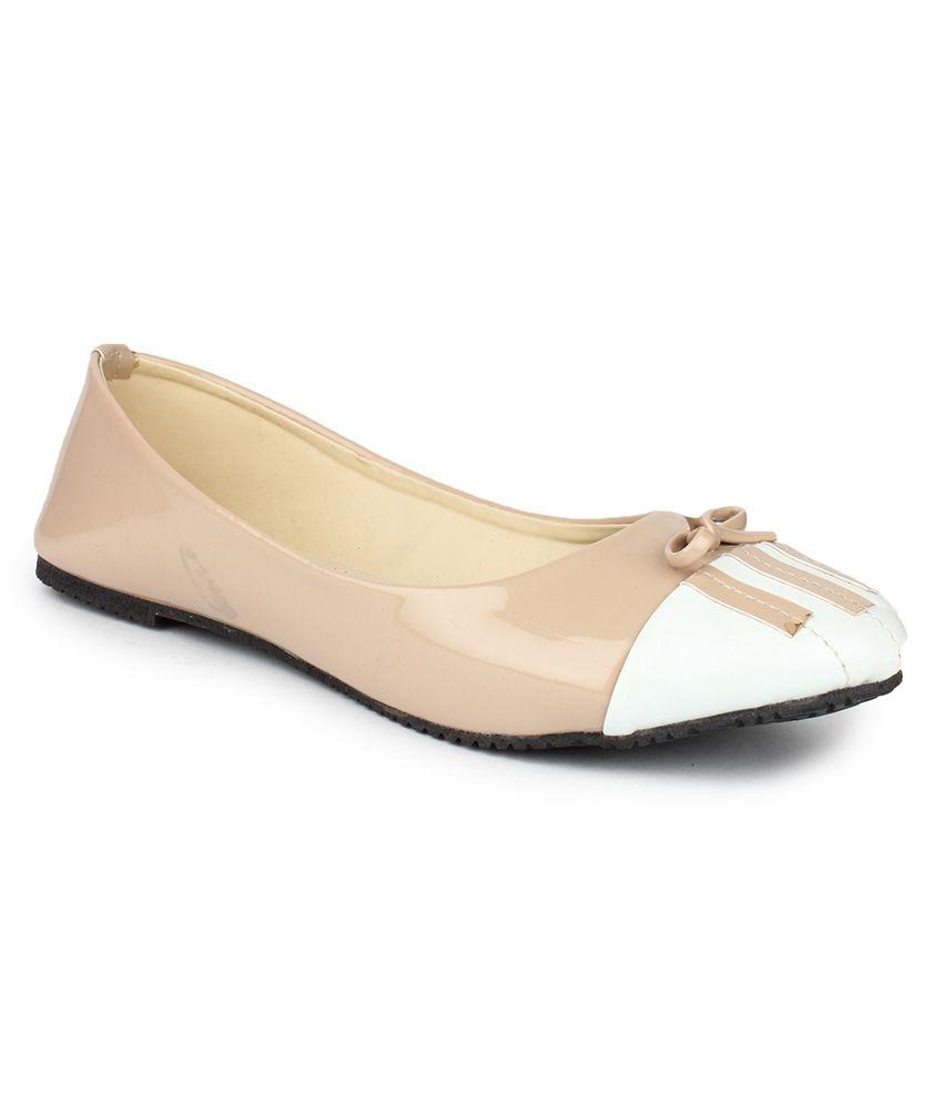 djh beige ballerinas price in india buy djh beige ballerinas online at snapdeal. Black Bedroom Furniture Sets. Home Design Ideas