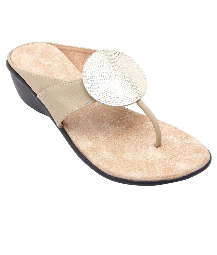 Royal Collection Beige Heeled Slip Ons
