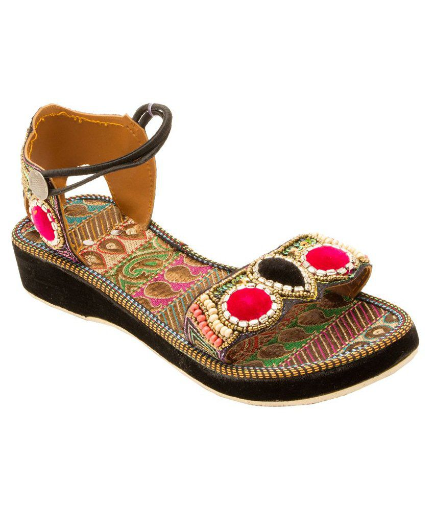 E-Handicrafts Multicolour Sandals