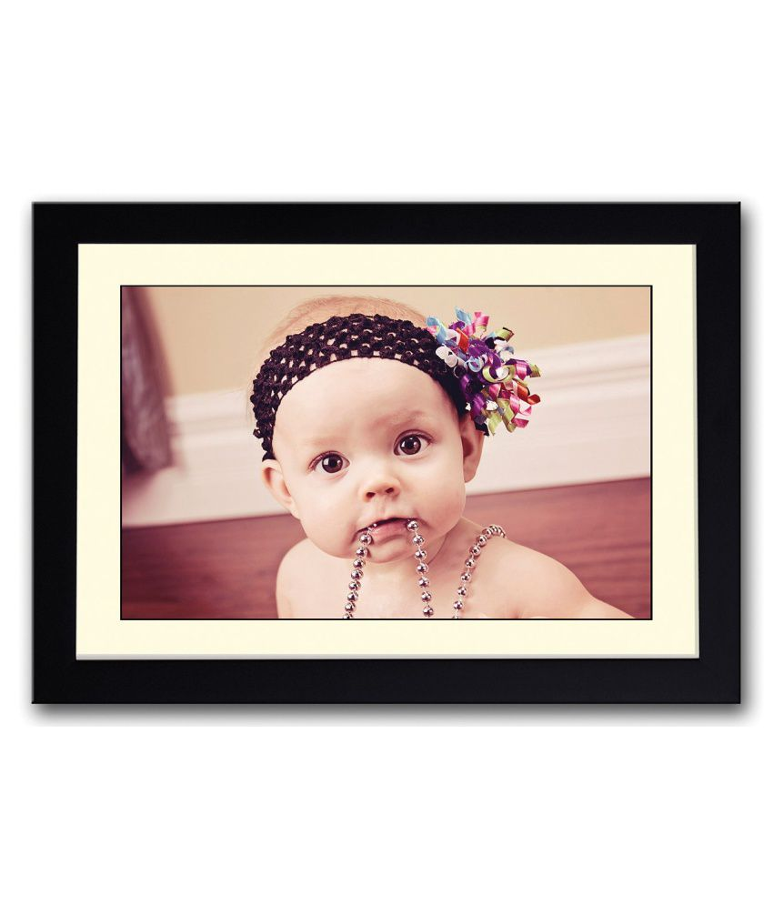 Artifa Matte Baby With Necklace In Mouth Painting With Metal Frame