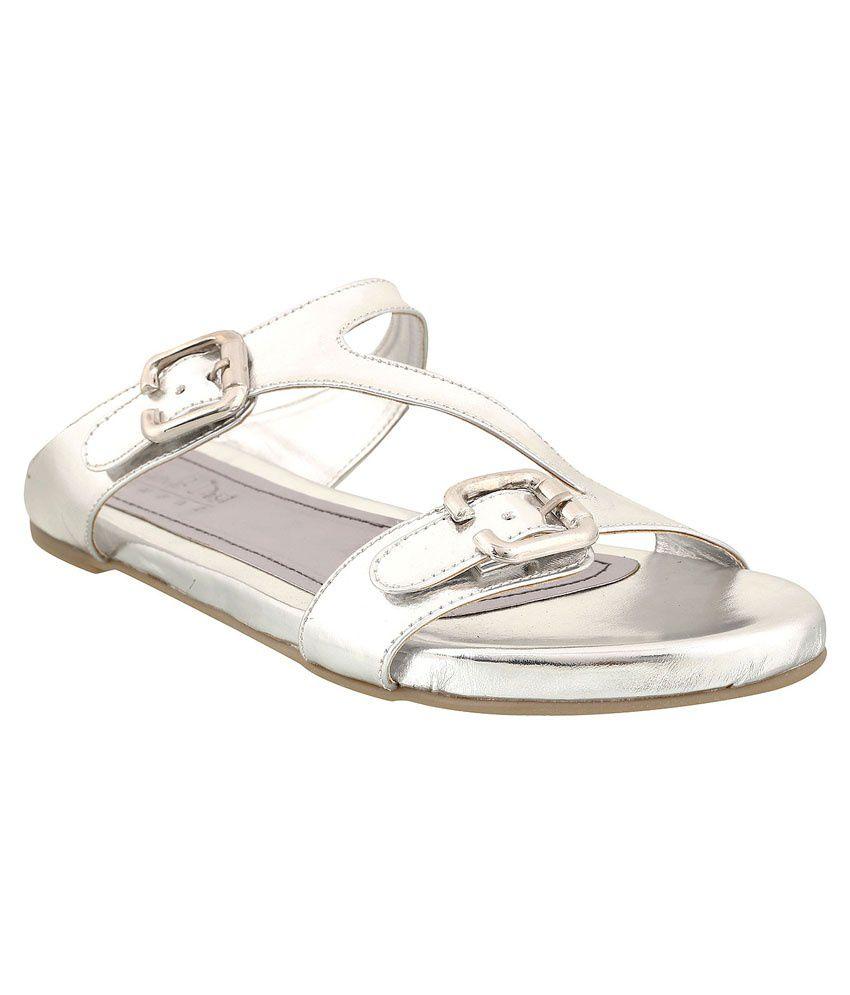 Siendo Desi Silver Flat Slip Ons