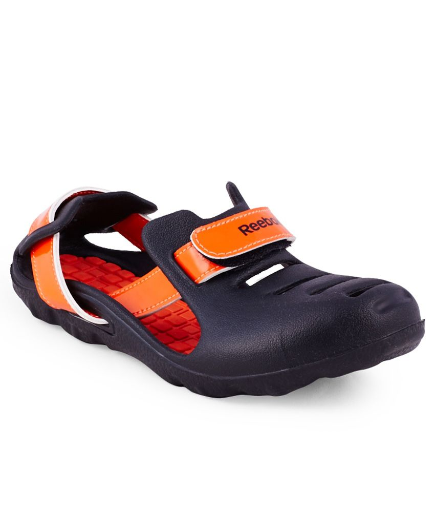 Reebok Kobo Quest 2 Lp Black Clogs For Kids Price in India ...