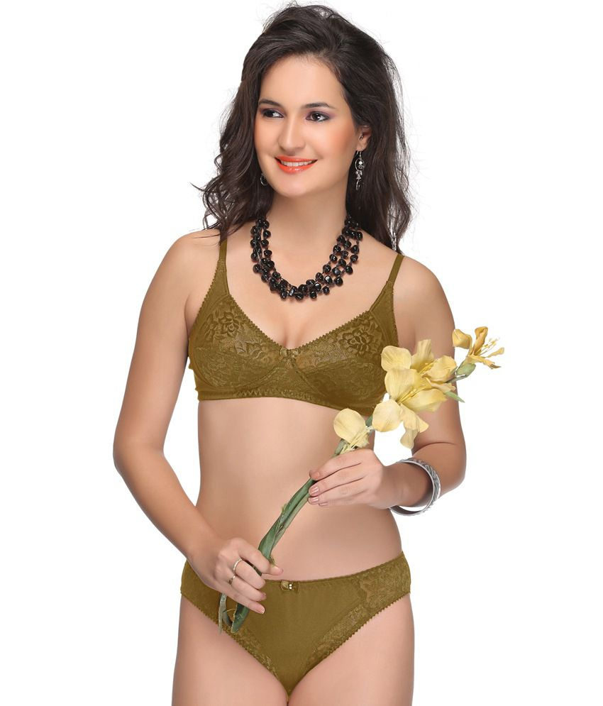 55cdf8902bd95 Buy Alishan Gold Bra   Panty Sets Online at Best Prices in India - Snapdeal