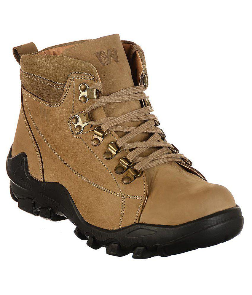 Bata Tan Boots