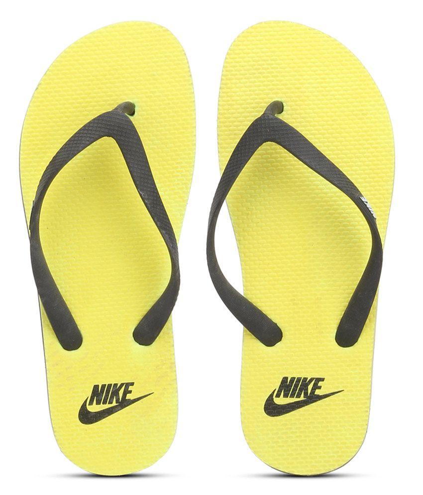 bb987cf4acf Nike Aquaswift Thong Yellow Flip Flops Price in India- Buy Nike Aquaswift  Thong Yellow Flip Flops Online at Snapdeal