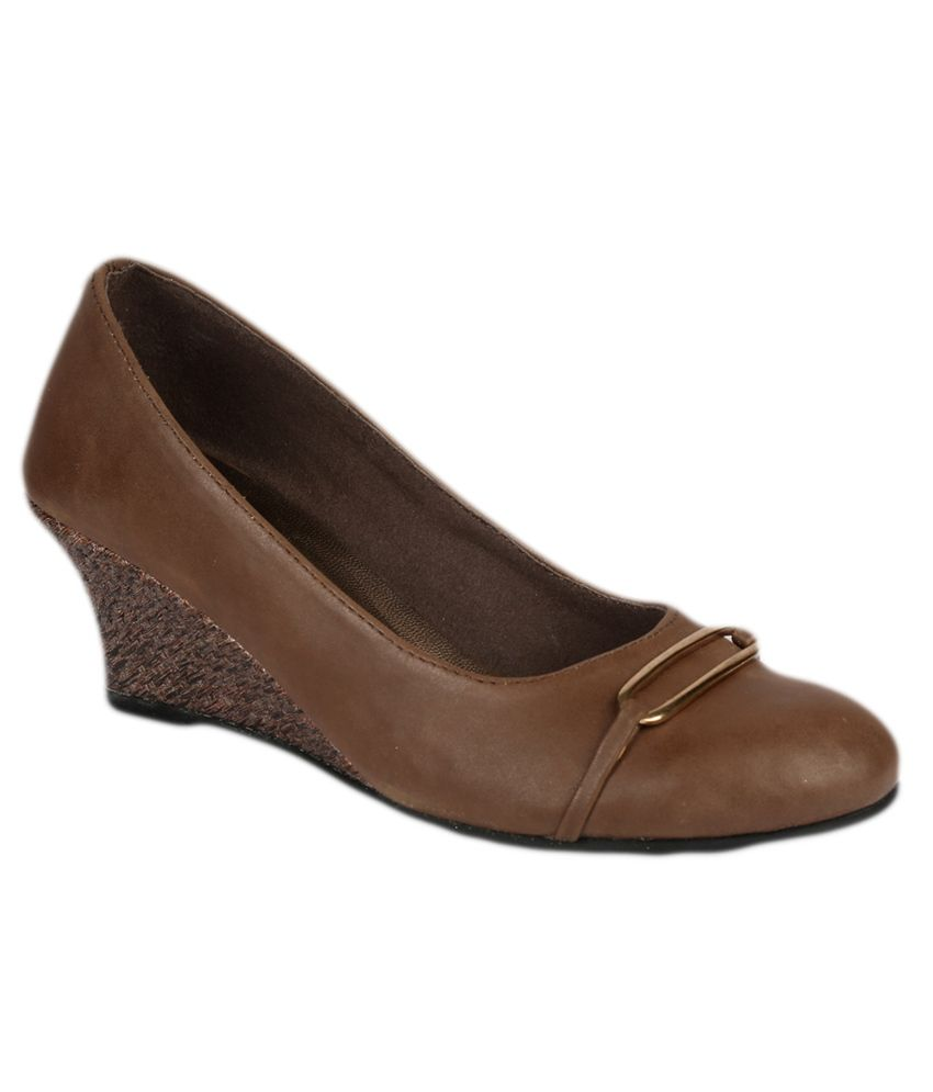 Inc.5 Brown Heeled Slip-Ons
