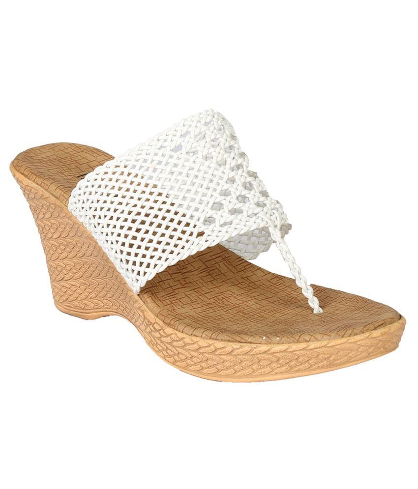 Inc.5 White Heeled Slip-Ons
