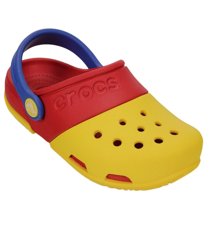Buy Crocs Kids' Classic Clog and other Clogs & Mules at metin2wdw.ga Our wide selection is eligible for free shipping and free returns.
