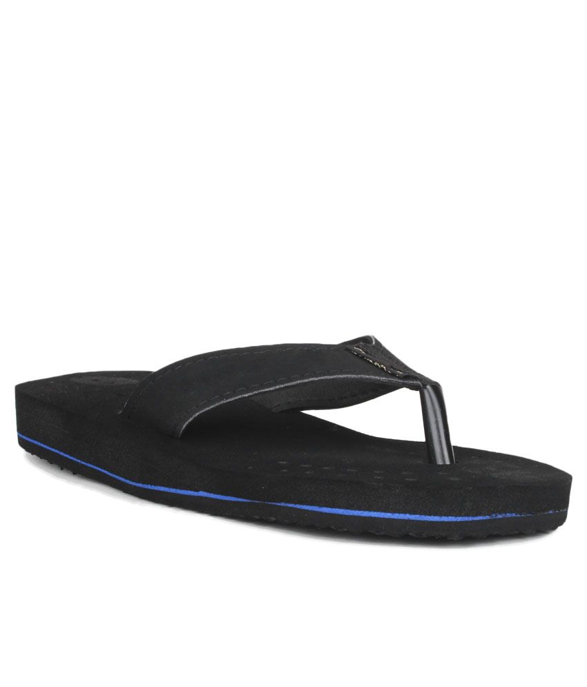 11e Black Slippers