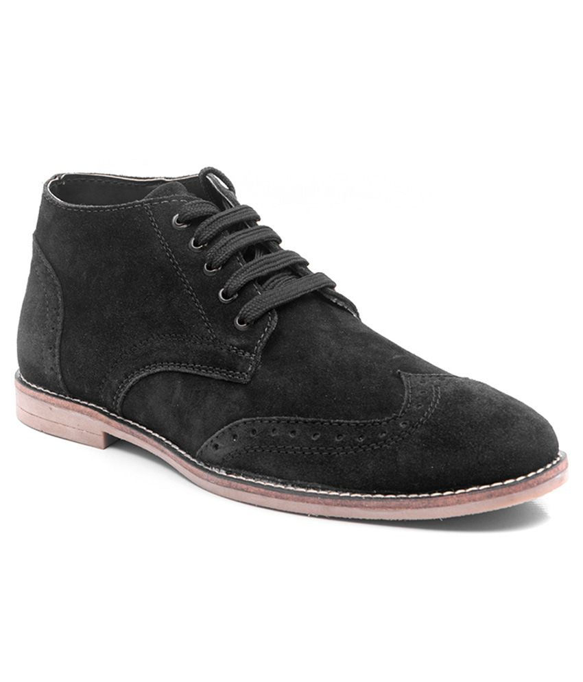 Hitch Black Boots