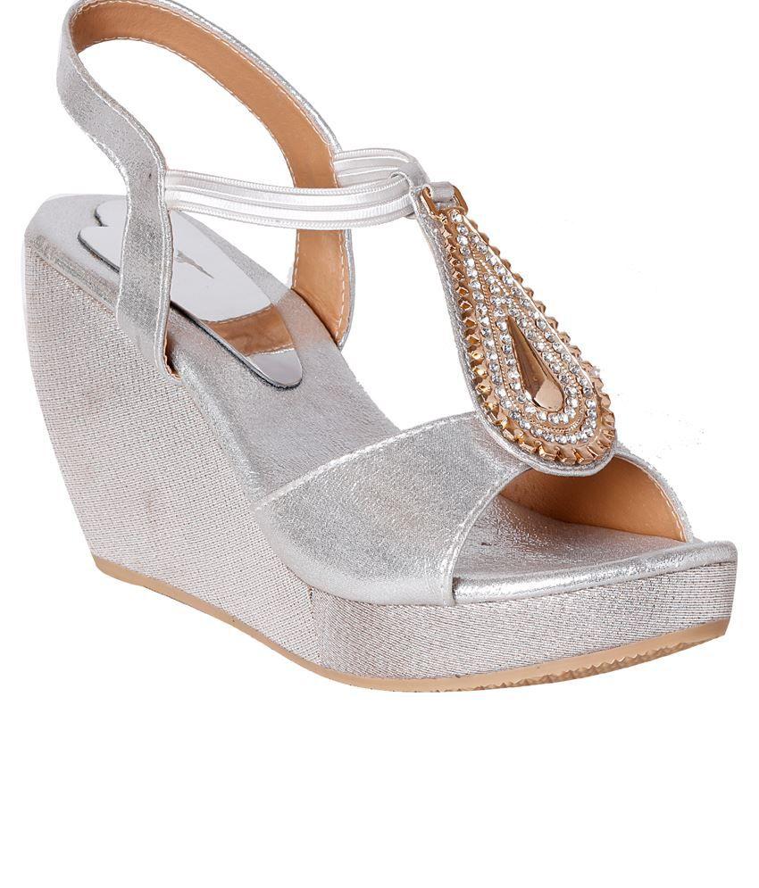 Pntof Silver Medium Heeled Sandals