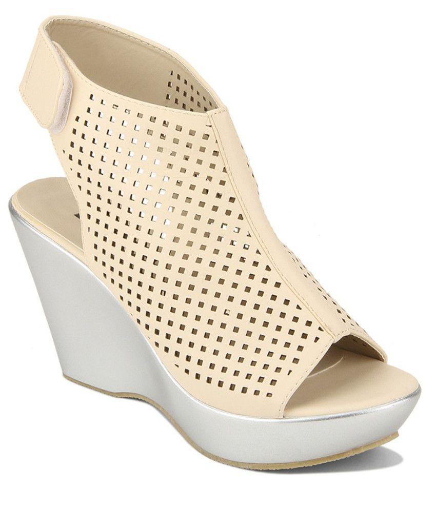Yepme Beige Heeled Sandals