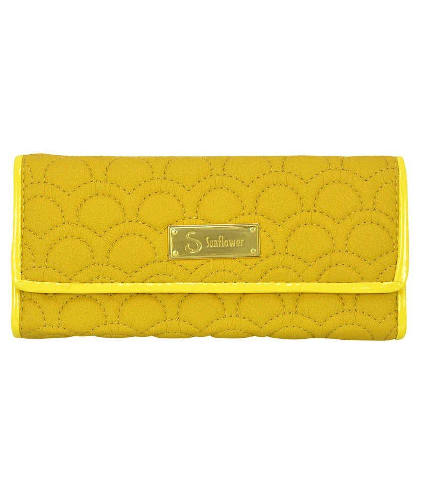 Bueva Yellow Clutch