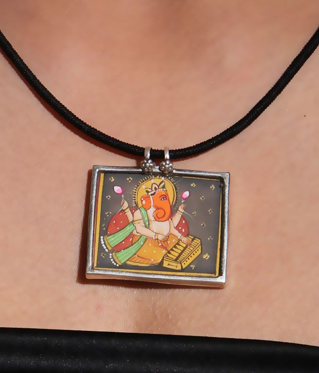 Silver Centrre Divine Lord Ganesha Pendant