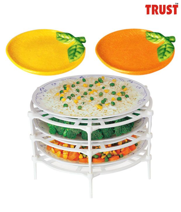 Trust Set of 4 Plates With Plate Stacker