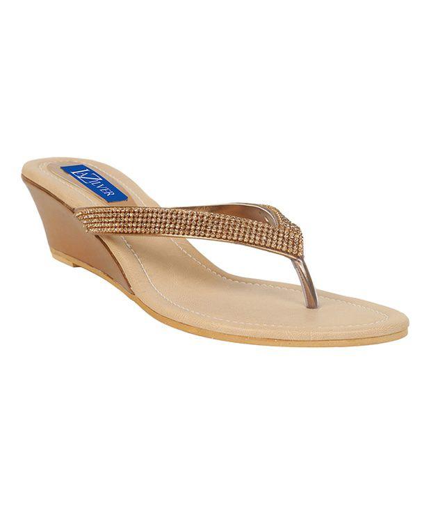 La Zilver Gleaming Golden Slip-on Heels