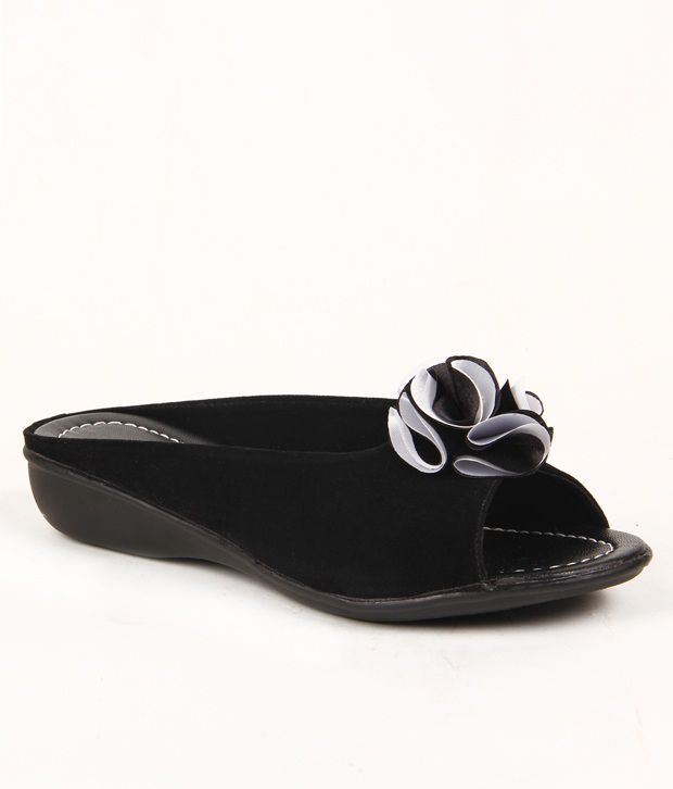 Do Bhai-Shoebazaar Floral Black Flats