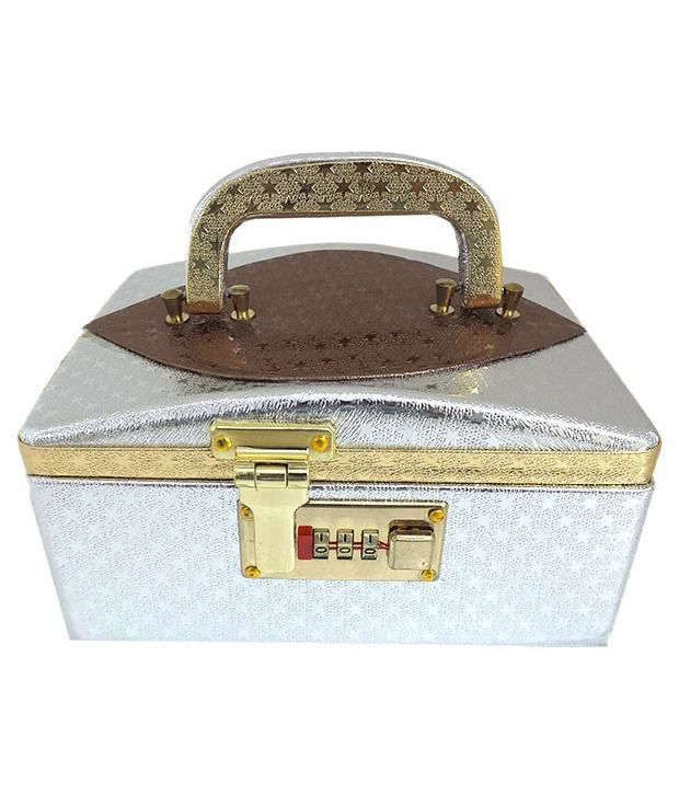 Golden Collections Beautiful Silver Jewellery Box