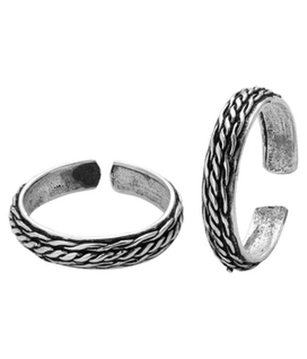Voylla Beautiful Oxidized Silver Alloy Toe Ring Pair