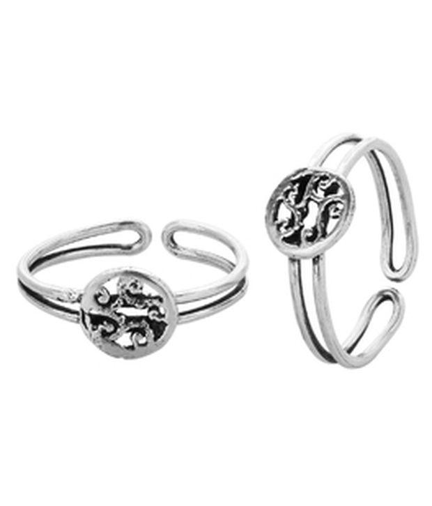 Voylla Silver Plated Toe Rings Set In Modish Design