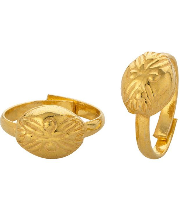 Voylla Gold Plated Toerings Featuring Oval Shape With Etched Design