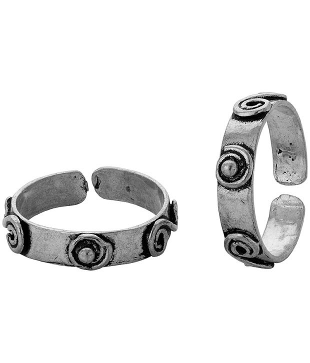 Voylla Silver Plated Toe Rings Crafted From Oxidized Metal