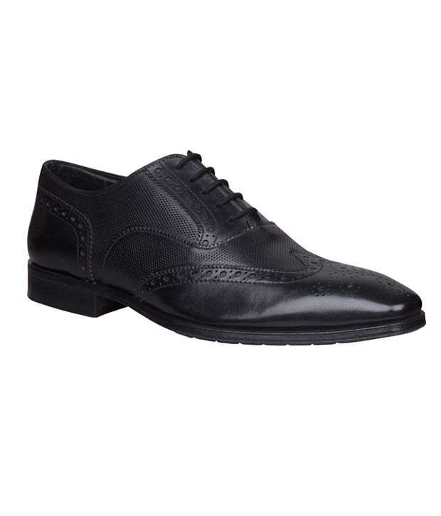 Bata Ambassador Black Perforated Oxford Shoes Available At SnapDeal For Rs.2000