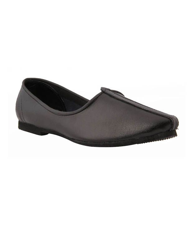 3a9a5585 Bata Ethnic Black Jutti - Buy Bata Ethnic Black Jutti Online at Best Prices in  India on Snapdeal