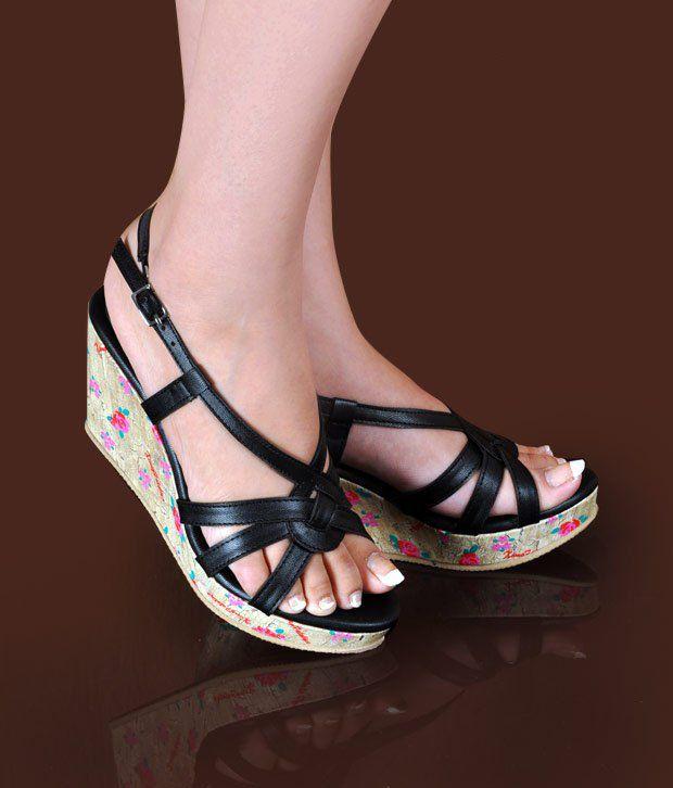 Butterfly Imposing Black Wedge Heel Sandals
