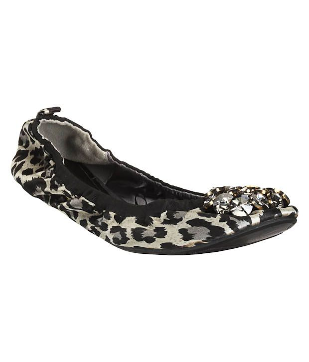 Carlton London Grey Leopard Print Ballerinas