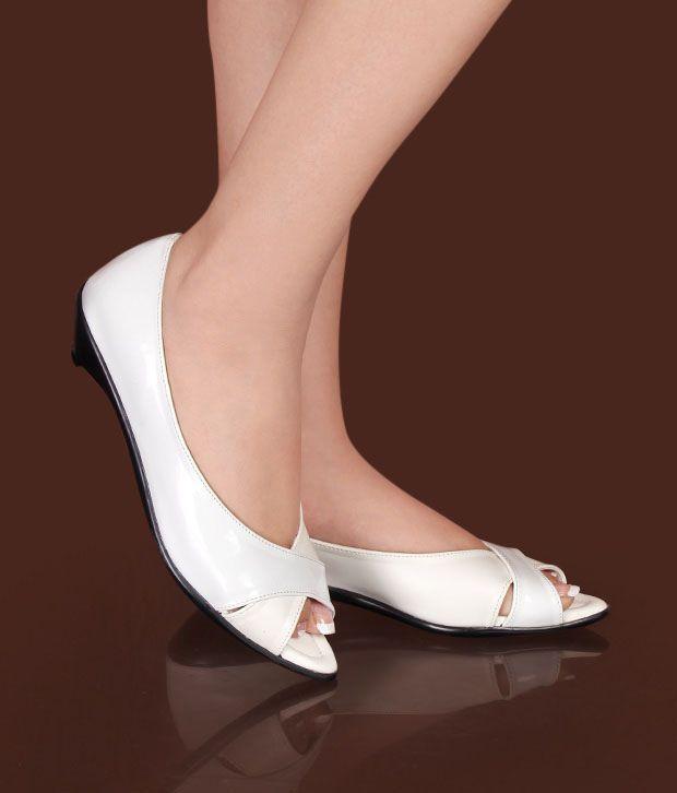 Sleek Exclusive White Peep Toes Price