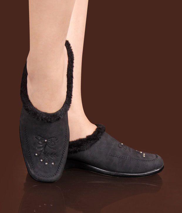 Universal Smart Black Mule Shoes