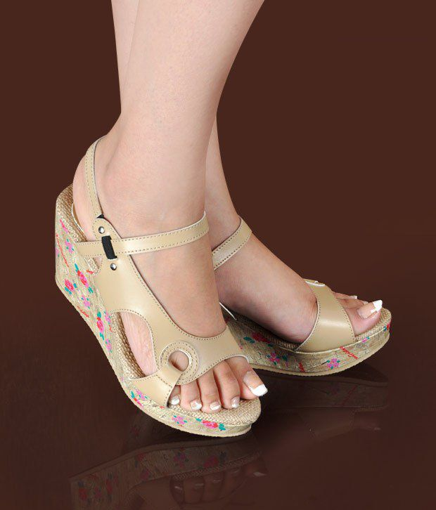 Butterfly Cool Beige Wedge Heel Sandals