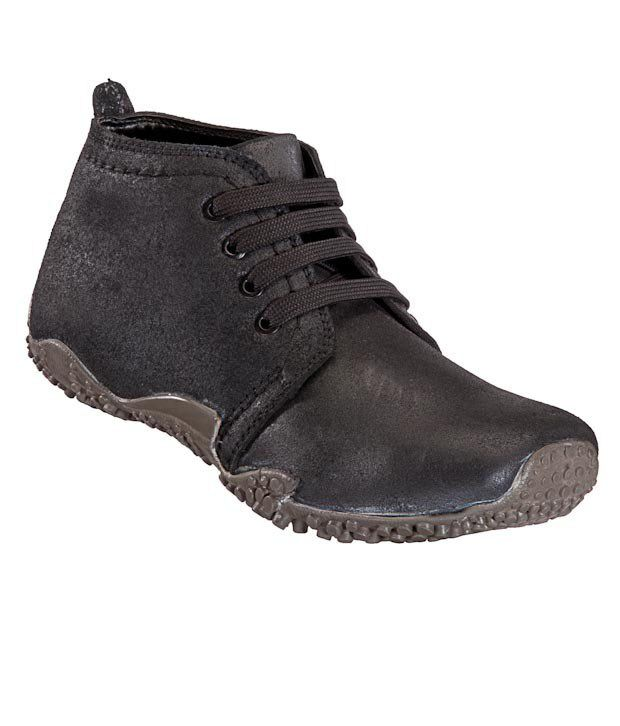 Maco Black Textured Ankle Length Casual Shoes