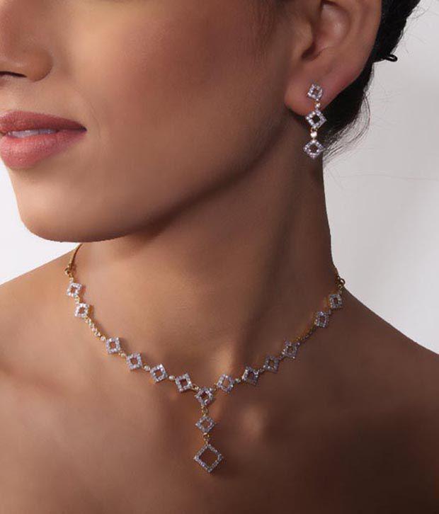 Bani-Thani Gurlz Charismatic Necklace Set