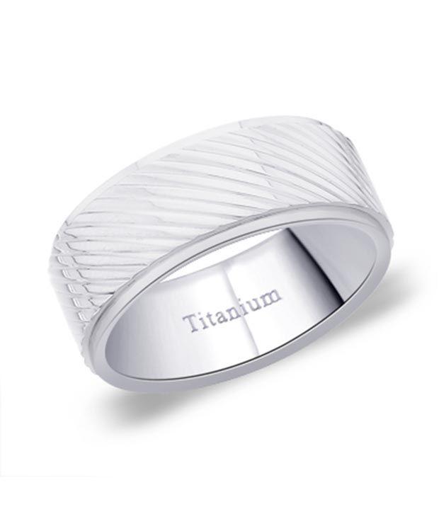Peora Vertically Striped Titanium  Ring