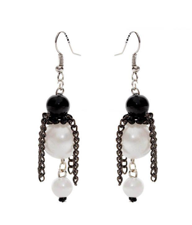 Pretty Woman Glistening Black & White Beads Earrings