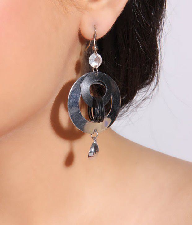 Pretty Woman Stylish Silver Dangling Earrings