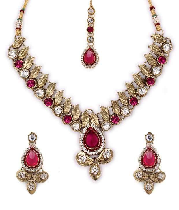 Adoreva Fashionable Necklace Set With Maangtika