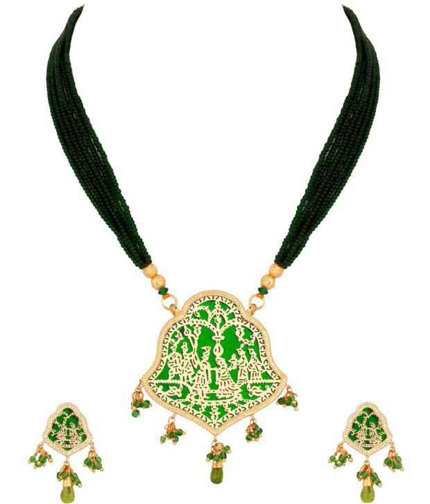 Voylla Alluring Bell Shaped Pendant; Thewa Art Set