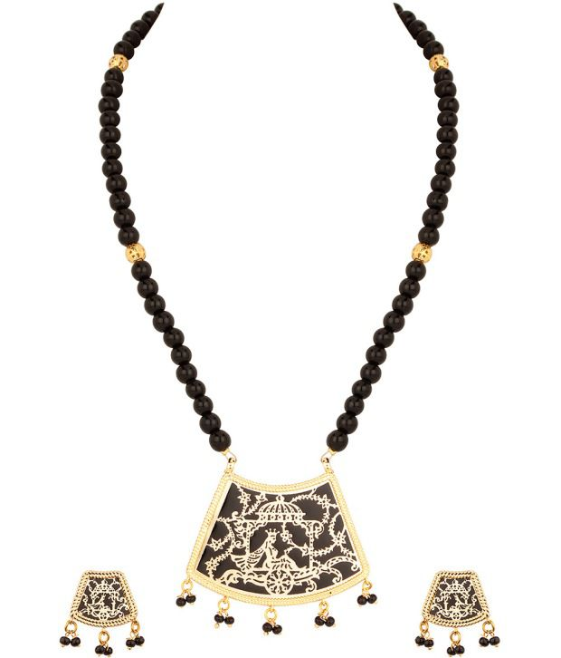 Voylla Exuberant Black Gold Plated Necklace Set With Thewa Art