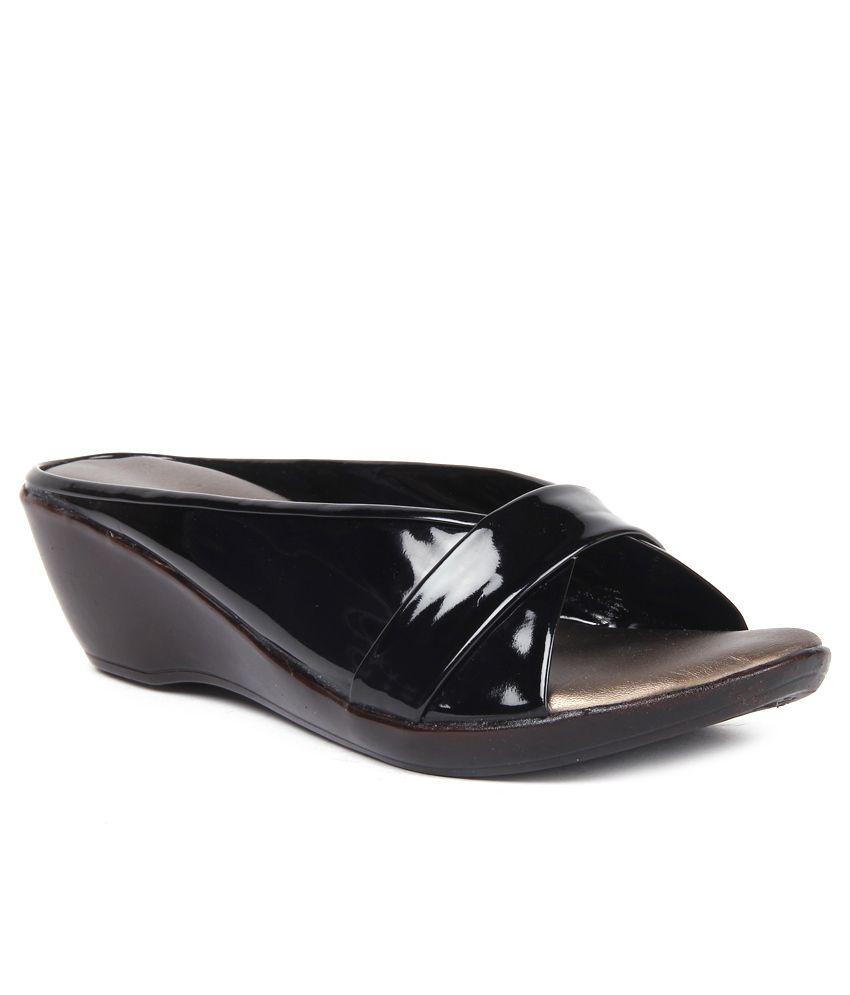 Anand Archies Stylish Black Slip On Heels