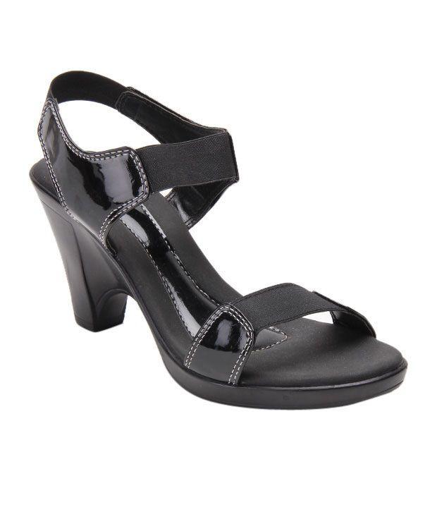 Catwalk Startling Black Sandals