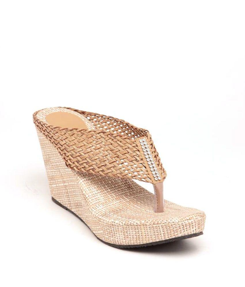 08f46b054ee Sindhi Footwear Beige V Shape Heeled Slippers Price in India- Buy Sindhi  Footwear Beige V Shape Heeled Slippers Online at Snapdeal