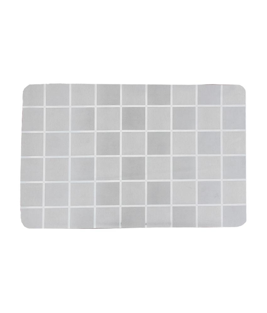 R Home Silver Checks Polypropylene Table Mat
